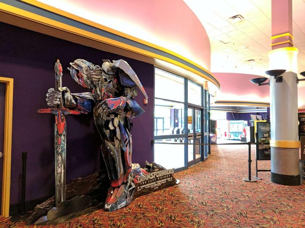 AMC Clifton Commons 16 - movie theater  | Photo 3 of 10 | Address: 405 NJ-3, Clifton, NJ 07014, USA | Phone: (973) 614-0966