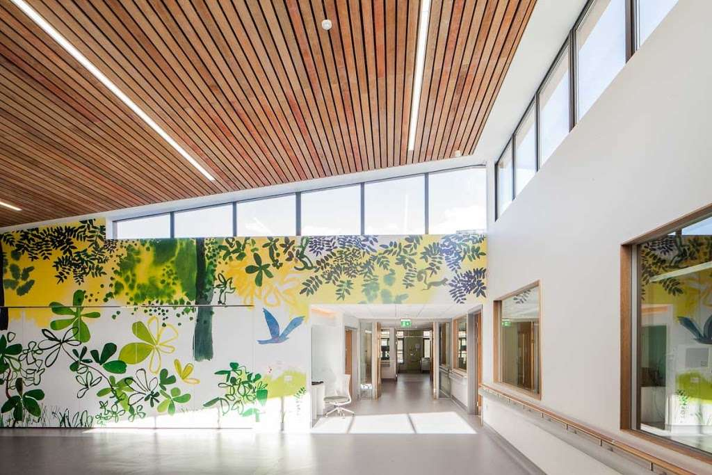 Lane Fox REMEO Respiratory Centre - hospital  | Photo 1 of 3 | Address: Canada Dr, Redhill RH1 5GW, UK | Phone: 020 7188 7188