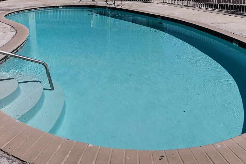 Motel 6 Fresno, CA - lodging  | Photo 2 of 8 | Address: 5021 N Barcus Ave, Fresno, CA 93722, USA | Phone: (559) 276-1910