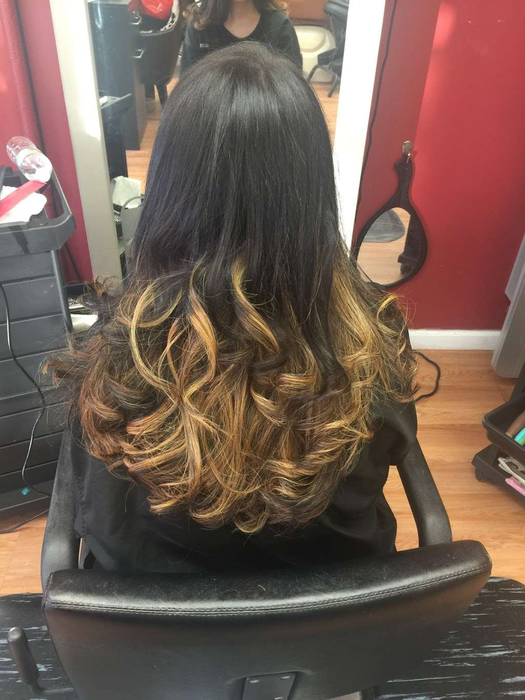Sophisticut - hair care  | Photo 2 of 8 | Address: 366 Anderson Ave, Cliffside Park, NJ 07010, USA | Phone: (201) 941-3946