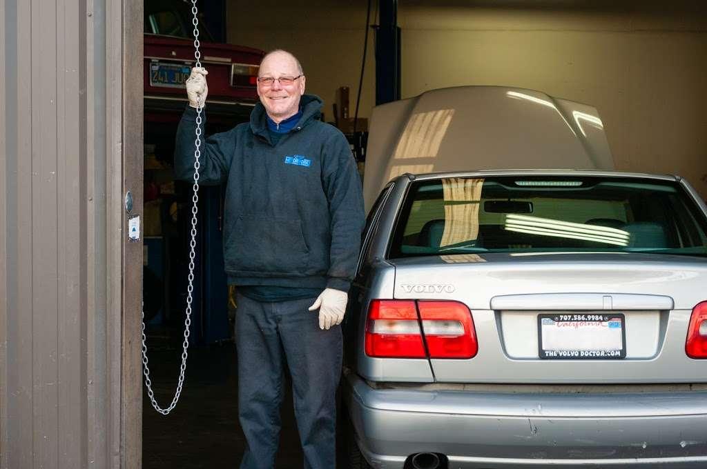 KP Motorworks - car repair    Photo 8 of 10   Address: 220 Classic Ct, Rohnert Park, CA 94928, USA   Phone: (707) 586-9984