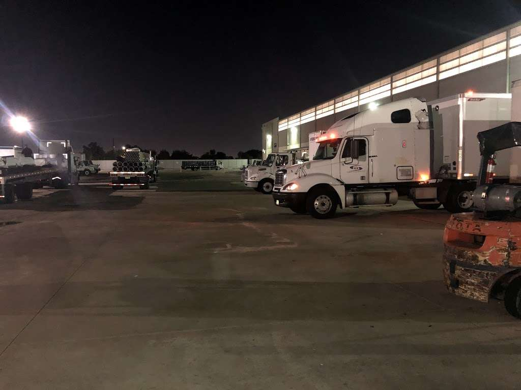 Ferguson Plumbing Supply - home goods store  | Photo 1 of 5 | Address: 1842 Airport Blvd, Houston, TX 77051, USA | Phone: (832) 742-2266