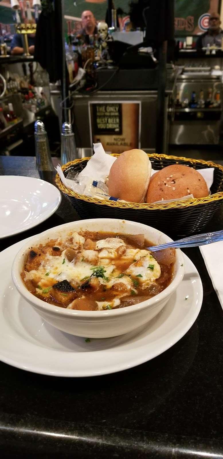 Legends Sports Bar & Grill - restaurant  | Photo 1 of 10 | Address: 4200 River Rd, Schiller Park, IL 60176, USA | Phone: (847) 233-9000