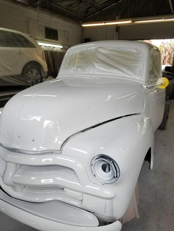 Oscars Body & Painting, Inc. - car repair  | Photo 7 of 8 | Address: 2949 W Beaver St, Jacksonville, FL 32254, USA | Phone: (904) 388-0852
