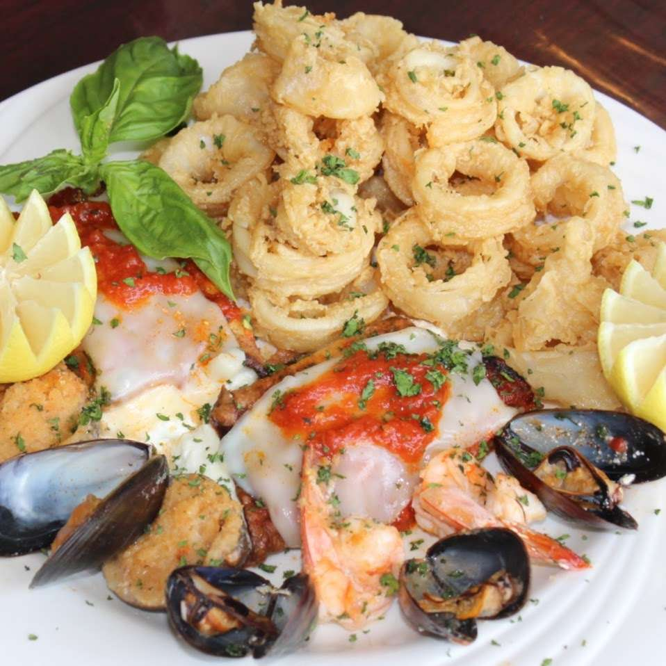 Nonna Lisa Pizza - restaurant  | Photo 4 of 10 | Address: 41 River Rd, North Arlington, NJ 07031, USA | Phone: (201) 885-3155