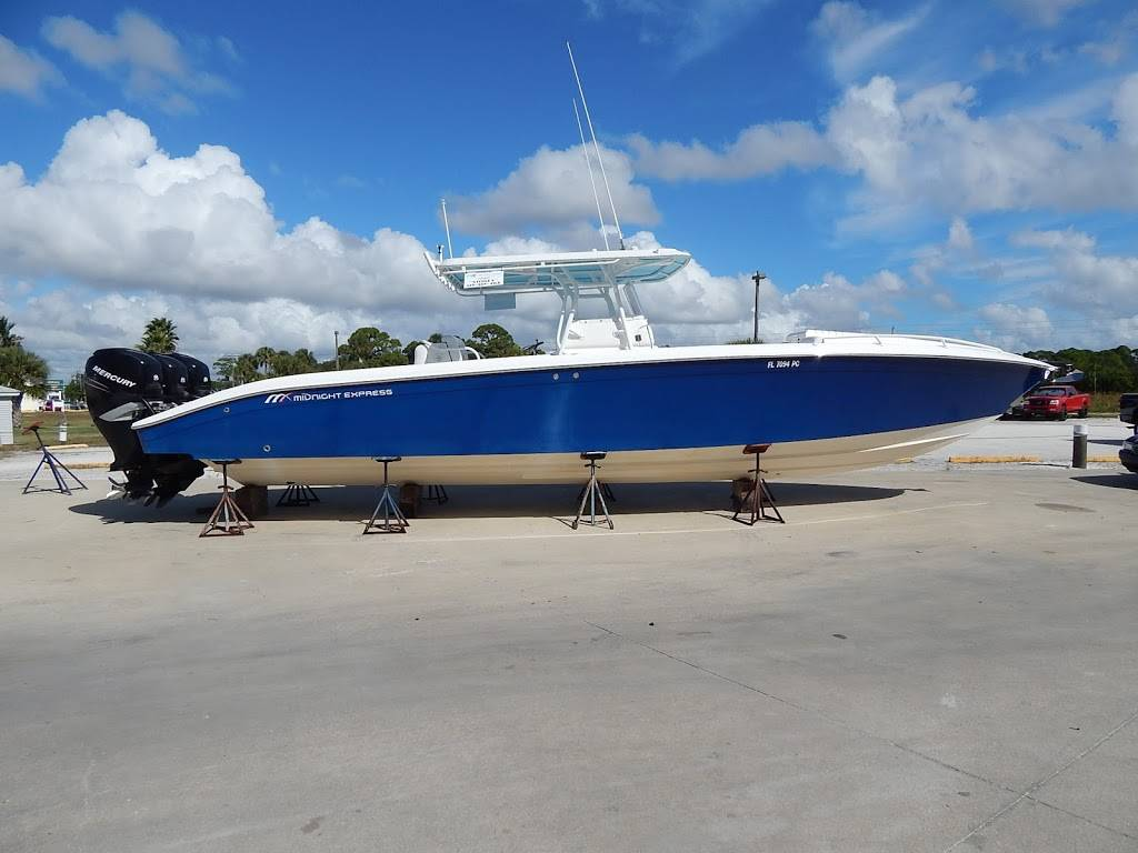 Bob Hodge Marine Group - store  | Photo 10 of 10 | Address: 5821 32nd Way S, St. Petersburg, FL 33712, USA | Phone: (727) 289-7050