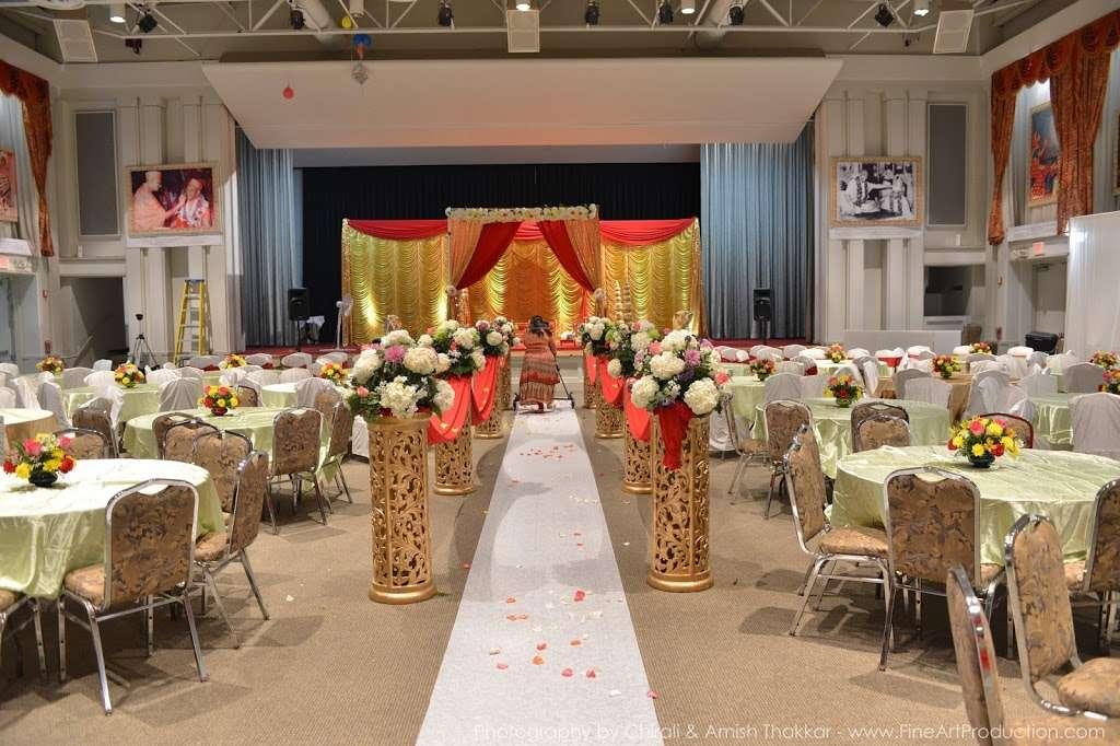 Shree Swaminarayan Temple - hindu temple  | Photo 2 of 10 | Address: 200 Penhorn Ave, Secaucus, NJ 07094, USA | Phone: (201) 325-0510