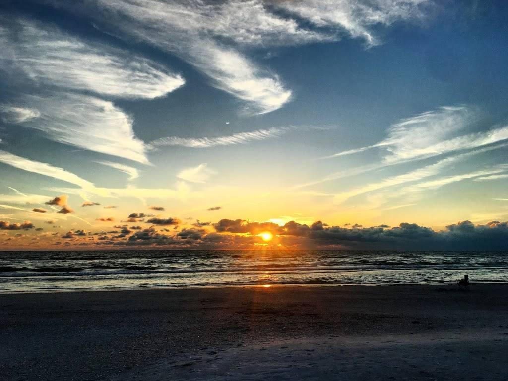 Hurricane Seafood Restaurant - restaurant  | Photo 7 of 9 | Address: 809 Gulf Way, St Pete Beach, FL 33706, USA | Phone: (727) 360-9558