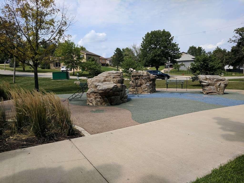 Turtle Hill Park - park  | Photo 5 of 10 | Address: Turtle St, Shorewood, IL 60404, USA