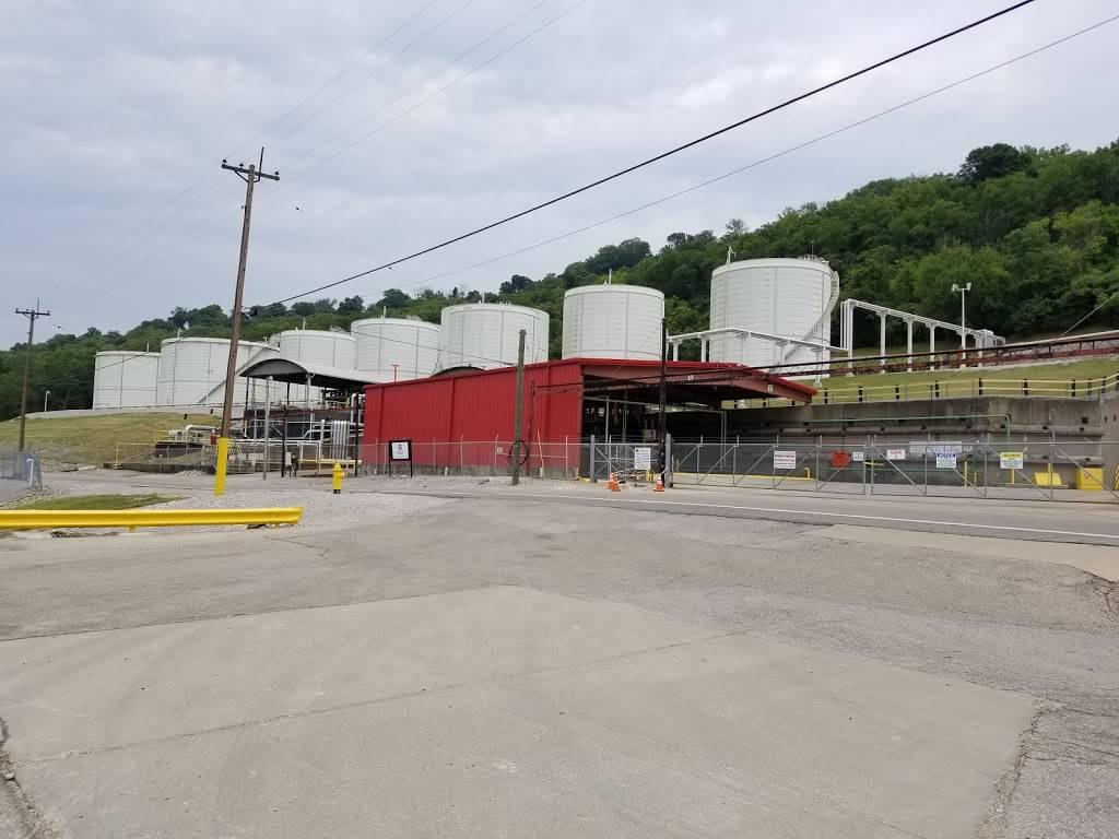 Trans Montaigne Terminal Inc - gas station  | Photo 5 of 9 | Address: 700 River Rd, Villa Hills, KY 41017, USA | Phone: (859) 331-0900