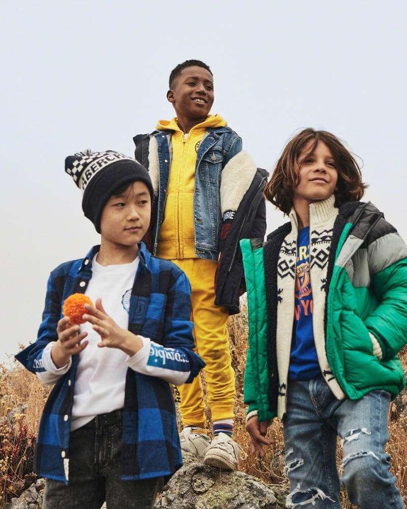 abercrombie kids - shoe store  | Photo 9 of 10 | Address: WATER TOWER, 835 Michigan Avenue #7030, Chicago, IL 60611, USA | Phone: (312) 274-9859