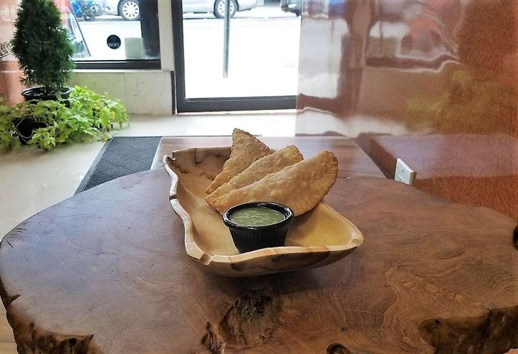 La CuCa - restaurant  | Photo 4 of 10 | Address: 102-11 43rd Avenue, Corona, NY 11368, USA | Phone: (718) 685-2015