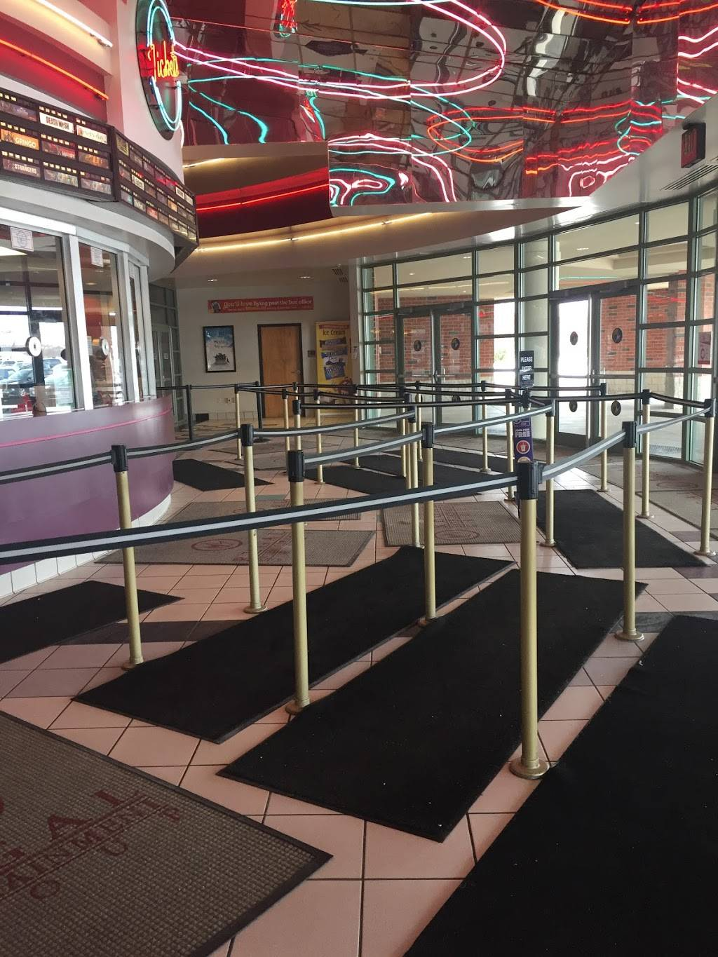 Regal Quaker Crossing 3450 Amelia Dr Orchard Park Ny 14127 Usa You can see how to get to regal cinemas ronkonkoma 9 on our website. 3450 amelia dr orchard park ny 14127 usa