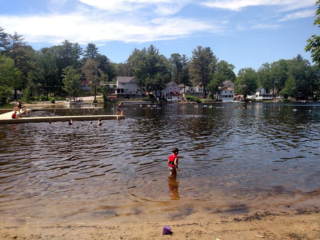 Amherst Town Beach - park  | Photo 1 of 9 | Address: 25 Broadway, Amherst, NH 03031, USA | Phone: (603) 673-6248