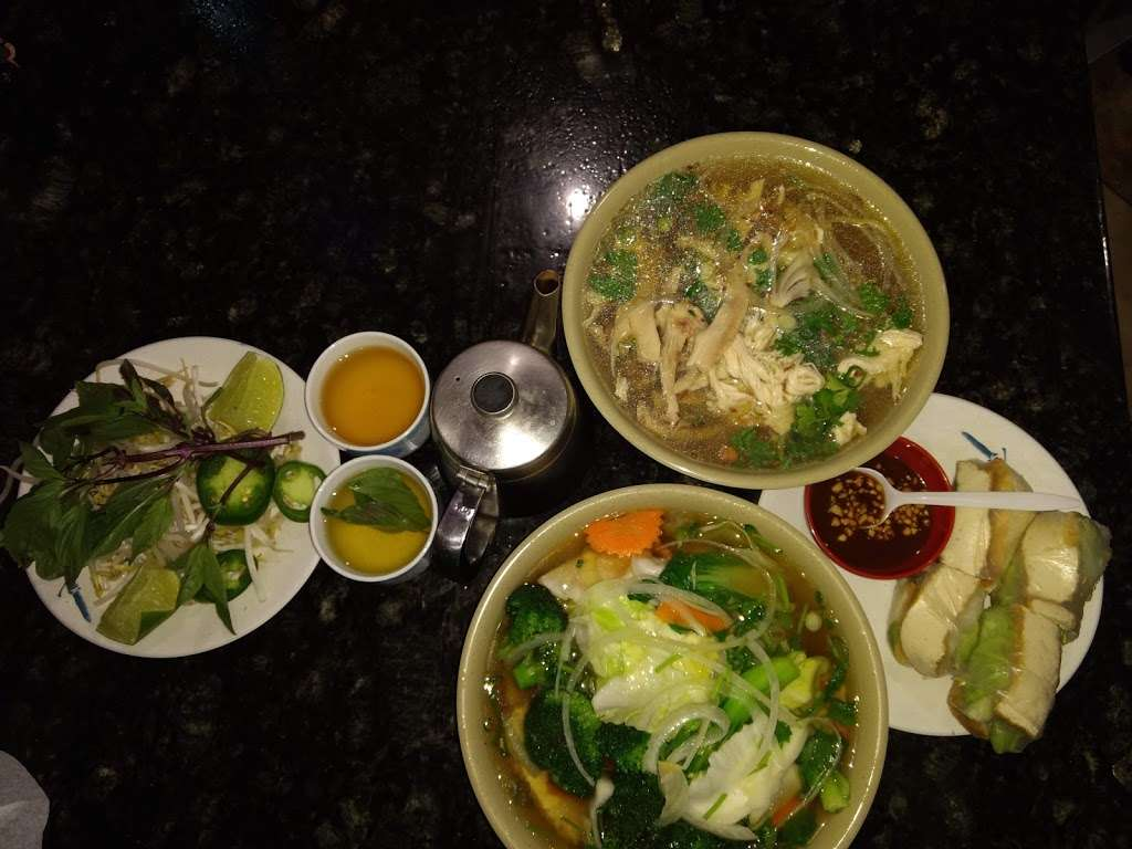 New Pho 999 - restaurant  | Photo 10 of 10 | Address: 12905 Sherman Way, North Hollywood, CA 91605, USA | Phone: (818) 982-9370
