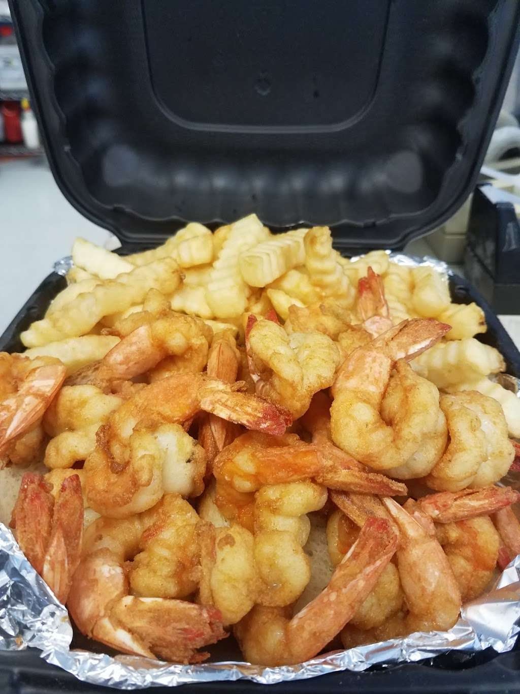 Five Star Seafood carry out - restaurant    Photo 4 of 5   Address: 5408 Southern Maryland Blvd #12, Lothian, MD 20711, USA   Phone: (240) 892-2215