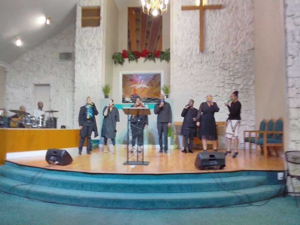 Philadelphian SDA Church children service - church    Photo 2 of 8   Address: 2640 Santa Fe Ave, Long Beach, CA 90810, USA   Phone: (562) 426-8026