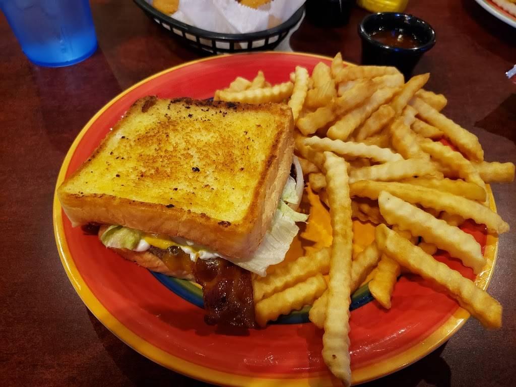 Lindsays Kitchen - restaurant  | Photo 4 of 10 | Address: 5300 Cane Run Rd #3103, Louisville, KY 40258, USA | Phone: (502) 384-4823