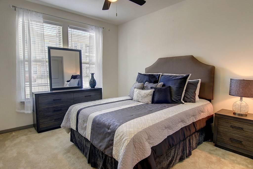 Encore Crossings Apartments - real estate agency  | Photo 2 of 10 | Address: 2202 Nodding Pines Dr, Corpus Christi, TX 78414, USA | Phone: (361) 992-8100