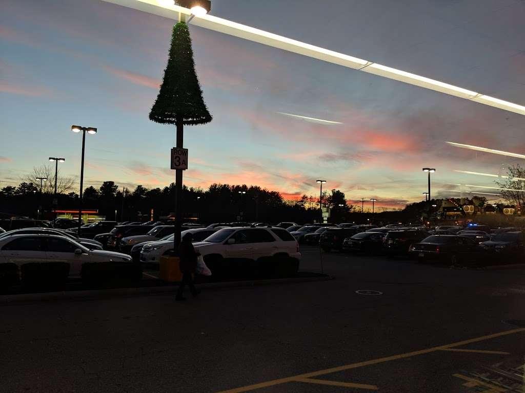 Oakdale Mall - shopping mall  | Photo 10 of 10 | Address: 1900 Main St, Tewksbury, MA 01876, USA | Phone: (978) 851-6856