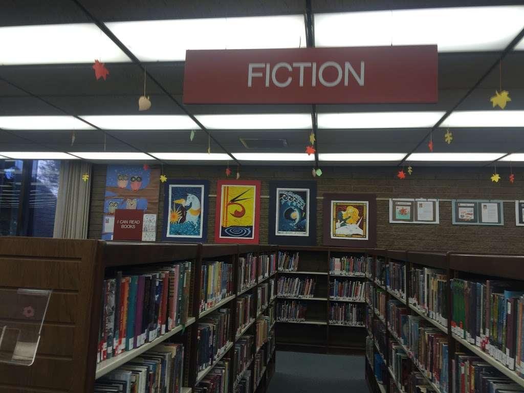 La Cañada Flintridge Library - library  | Photo 3 of 5 | Address: 4545 North Oakwood Avenue, La Cañada Flintridge, CA 91011, USA | Phone: (818) 790-3330