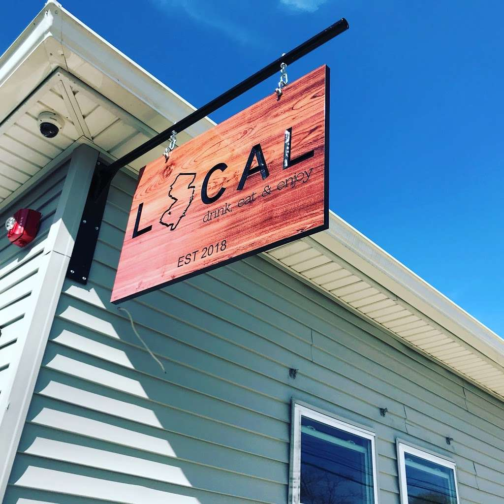 LOCAL Bar & Kitchen - restaurant  | Photo 4 of 10 | Address: 377 W Broad St, Gibbstown, NJ 08027, USA | Phone: (856) 423-2233