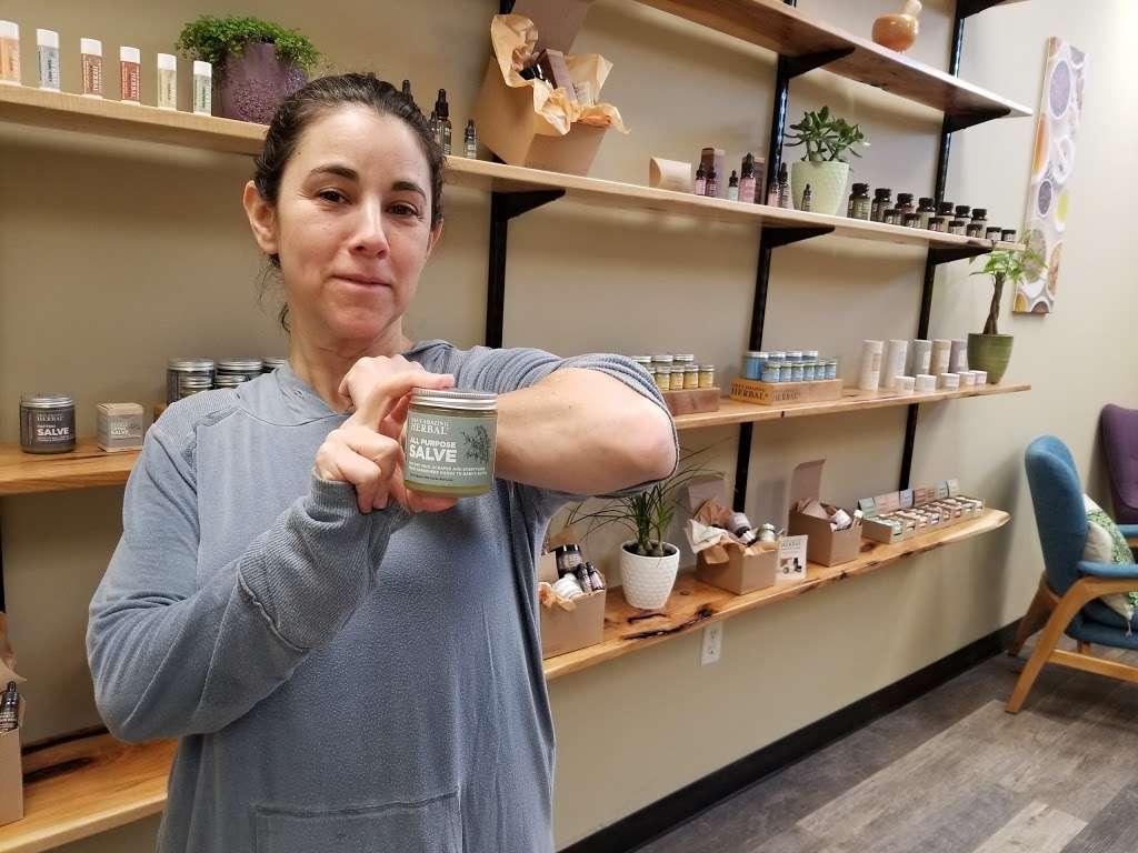 Oras Amazing Herbal - store  | Photo 1 of 10 | Address: 105 Cedar Lane Unit 2, Entrance around back of building, Englewood, NJ 07631, USA | Phone: (201) 357-0836