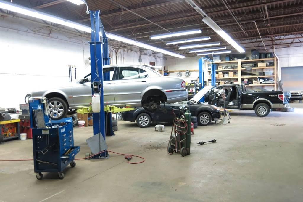 Sunlight Auto LLC - car dealer  | Photo 8 of 9 | Address: 16120 S Waterloo Rd, Cleveland, OH 44110, USA | Phone: (216) 795-5950