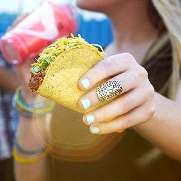 Taco Bell - meal takeaway  | Photo 6 of 10 | Address: 696 E St, Chula Vista, CA 91910, USA | Phone: (619) 422-5288