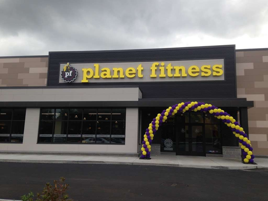 Planet Fitness - gym  | Photo 5 of 8 | Address: 360 Daniel Webster Hwy Ste103, Merrimack, NH 03054, USA | Phone: (603) 717-3446