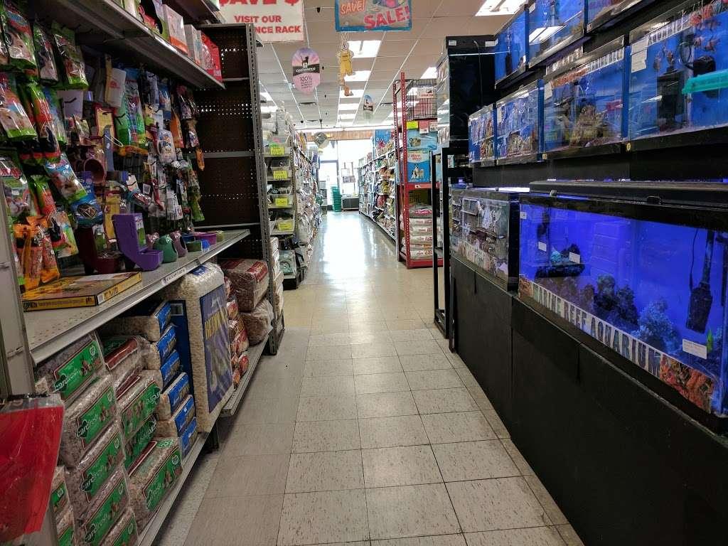 Petland Discounts - Jersey City - pet store  | Photo 4 of 10 | Address: Rt 440 & Kellogg Street, Stadium Plaza, Jersey City, NJ 07305, USA | Phone: (201) 435-9217