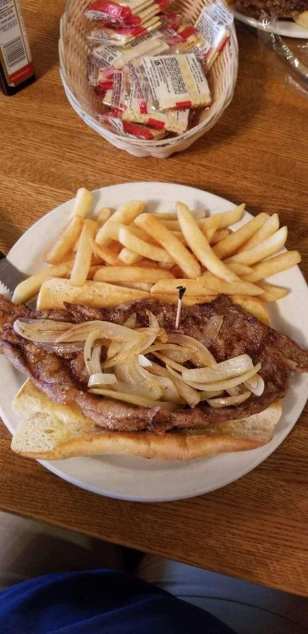 Pontiac Family Kitchen - restaurant  | Photo 4 of 10 | Address: 904 W Custer Ave, Pontiac, IL 61764, USA | Phone: (815) 844-3155