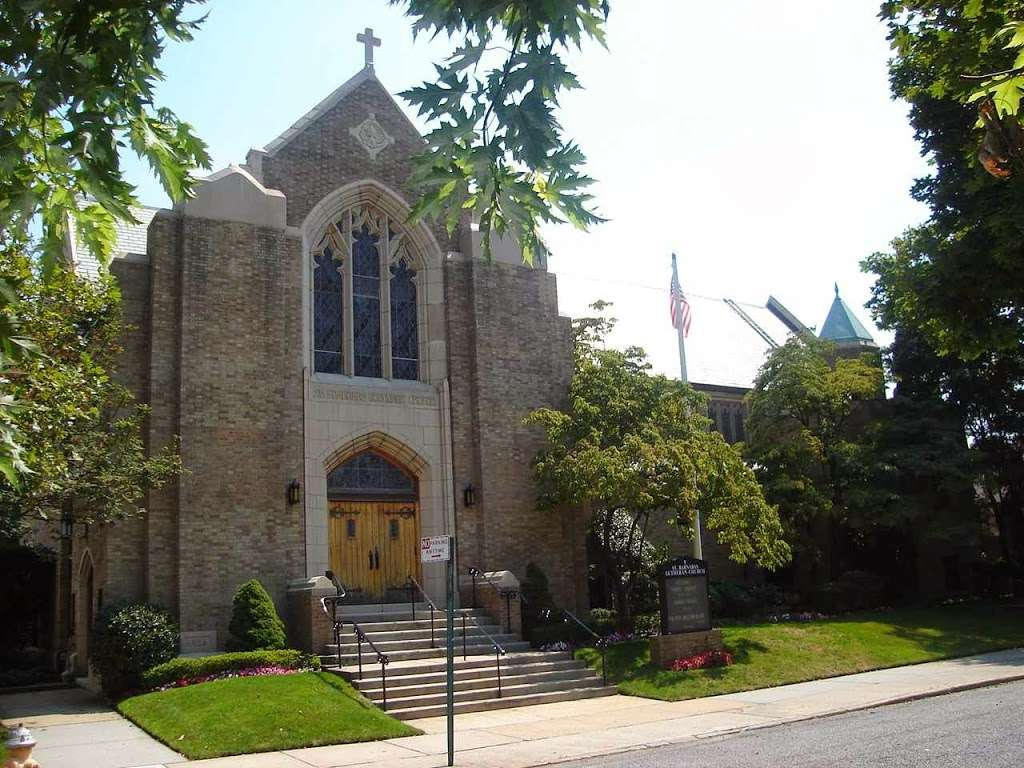 Saint Barnabas Church - church  | Photo 2 of 10 | Address: 159-19 98th St, Howard Beach, NY 11414, USA | Phone: (718) 843-7028