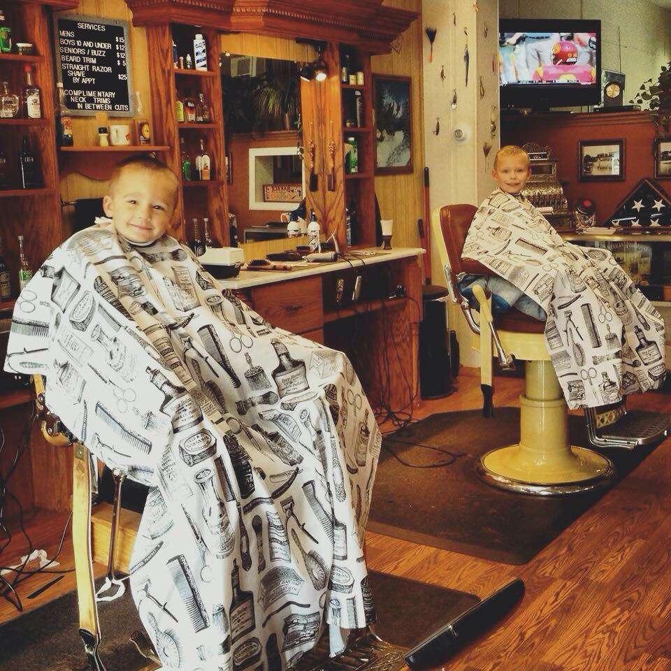 Stracks Barber Shop - hair care    Photo 2 of 10   Address: 1109 S Main St, Algonquin, IL 60102, USA   Phone: (847) 658-6948