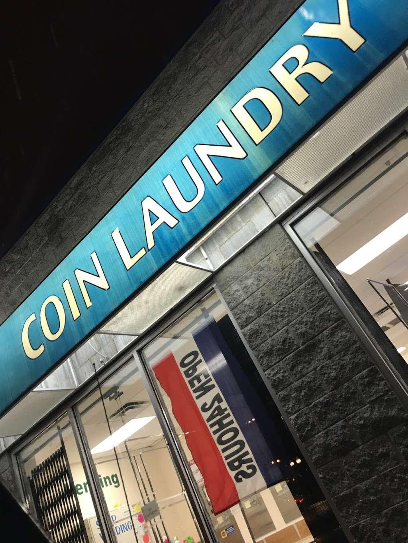 Family Wash Laundromat - laundry  | Photo 5 of 8 | Address: 6501 S Cottage Grove Ave, Chicago, IL 60637, USA