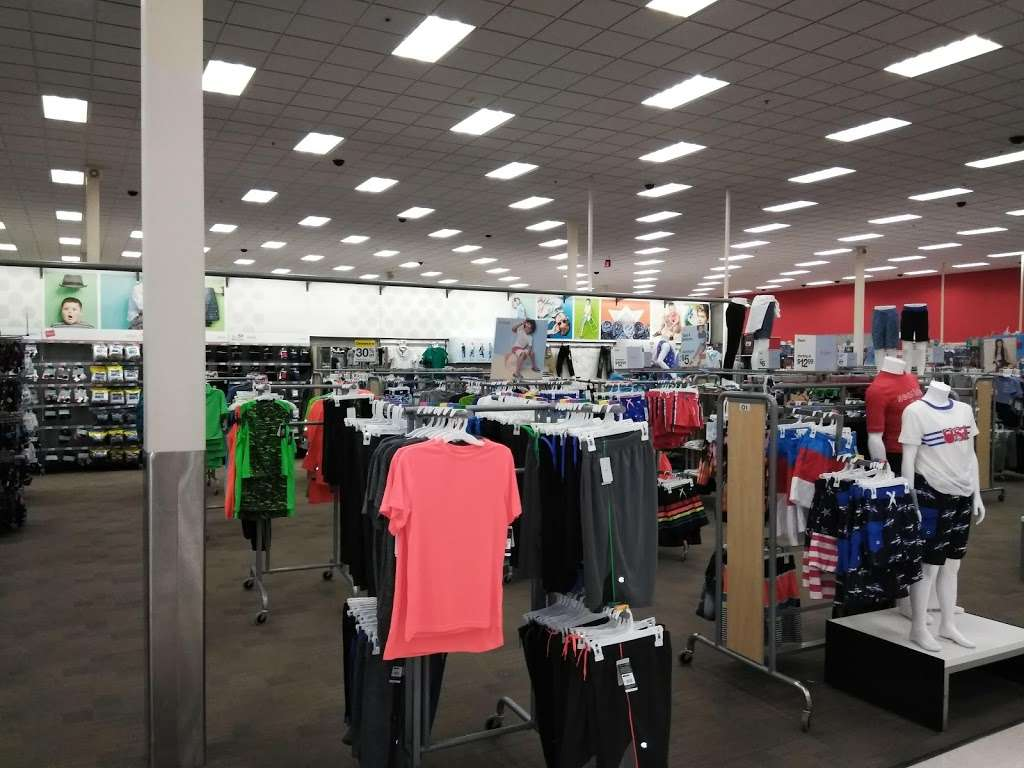Target - department store  | Photo 7 of 10 | Address: 601 S Plano Rd, Richardson, TX 75081, USA | Phone: (214) 530-0183