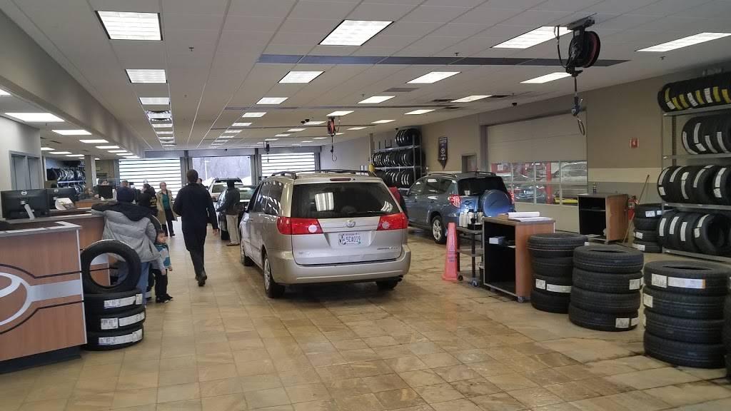 Maplewood Toyota - car dealer  | Photo 8 of 9 | Address: 2873 Maplewood Dr, Maplewood, MN 55109, USA | Phone: (651) 482-1322
