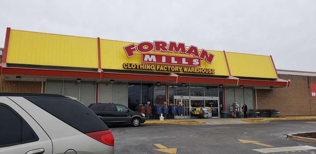Forman Mills - clothing store  | Photo 4 of 10 | Address: 1140 Hurffville Rd, Woodbury, NJ 08096, USA | Phone: (856) 812-4894