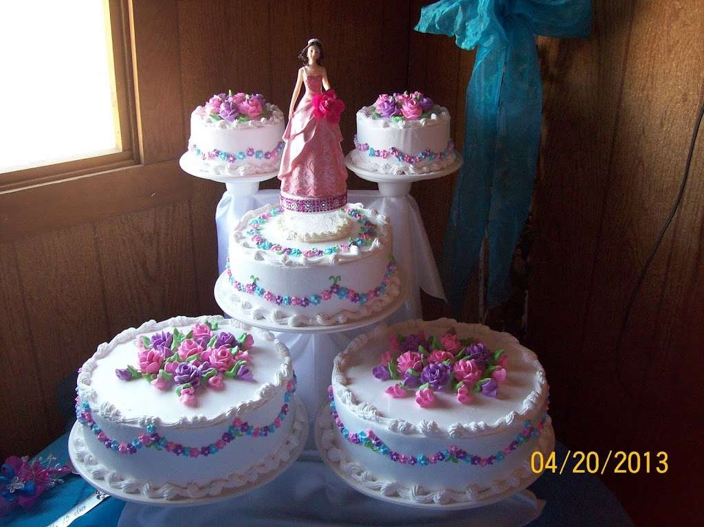 Solteros Bakery - cafe  | Photo 2 of 10 | Address: 10232 I Ave #20, Hesperia, CA 92345, USA | Phone: (760) 956-6200
