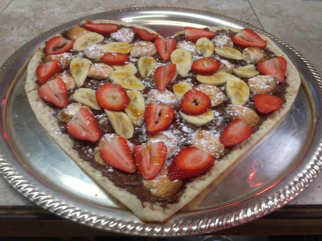 Johnnys Pizzeria - restaurant  | Photo 8 of 10 | Address: 520 Bergen Blvd, Palisades Park, NJ 07650, USA | Phone: (201) 944-4476