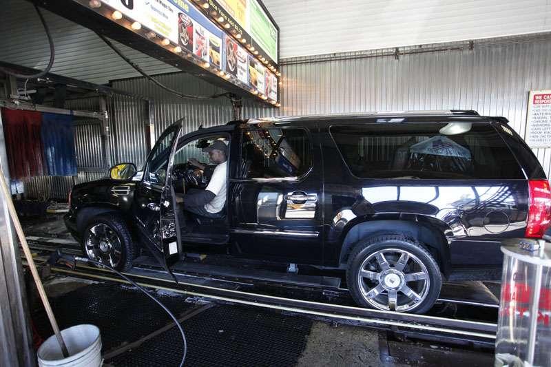 Westside Highway Car Wash - car wash    Photo 3 of 10   Address: 638 W 46th St, New York, NY 10036, USA   Phone: (212) 757-1141