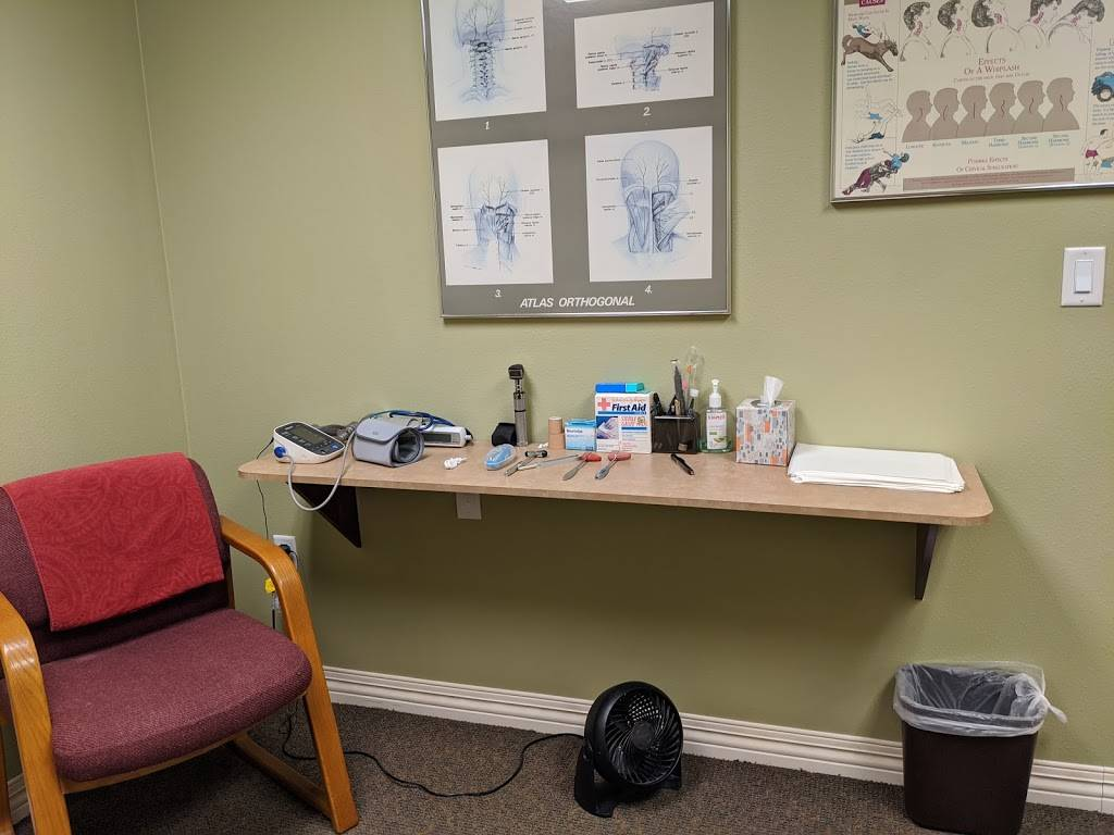 Pierce Clinic of Chiropractic - health  | Photo 2 of 10 | Address: 2201 62nd Ave N, St. Petersburg, FL 33702, USA | Phone: (727) 528-8700