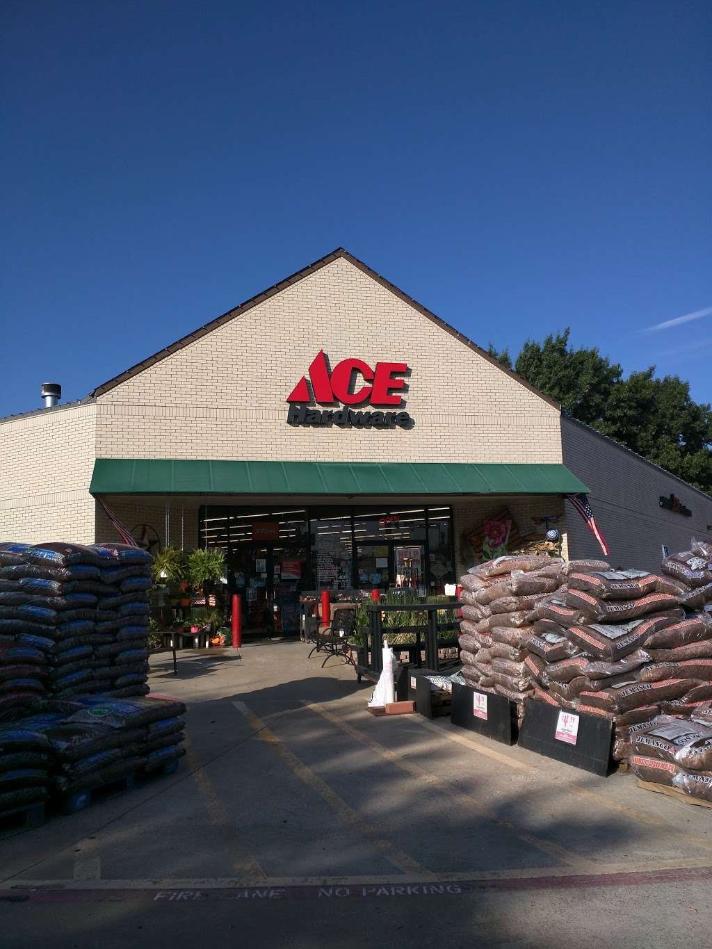 Jabos Ace Hardware Coppell - hardware store  | Photo 1 of 10 | Address: 465 S Denton Tap Rd, Coppell, TX 75019, USA | Phone: (972) 462-8668