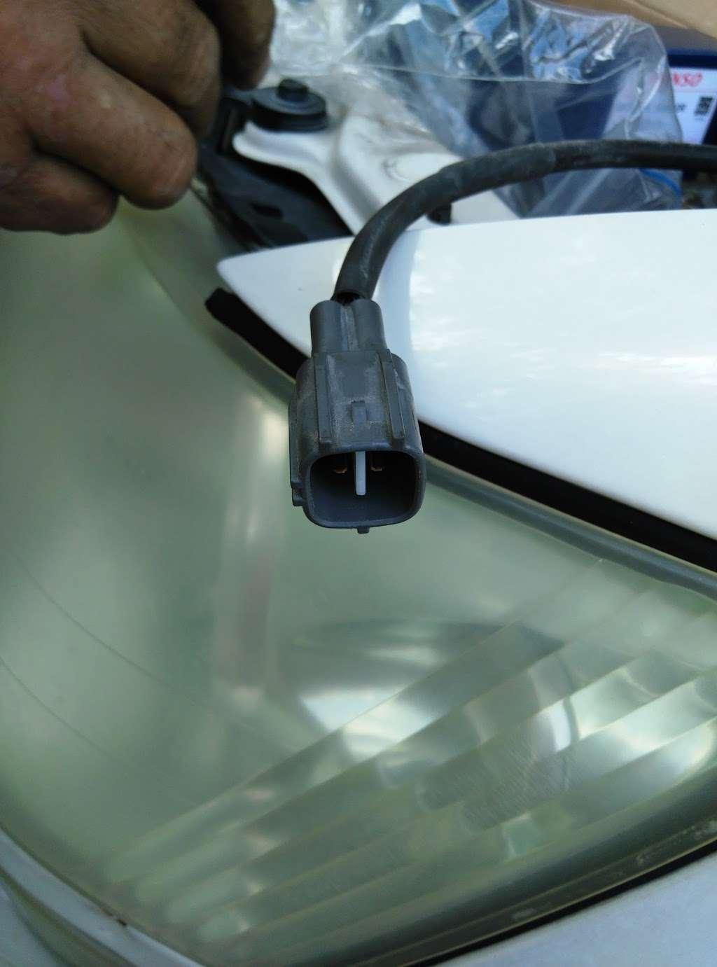 Simco Automotive Inc. - car repair    Photo 7 of 9   Address: 9805 Veterans Memorial Dr, Houston, TX 77038, USA   Phone: (281) 820-6000