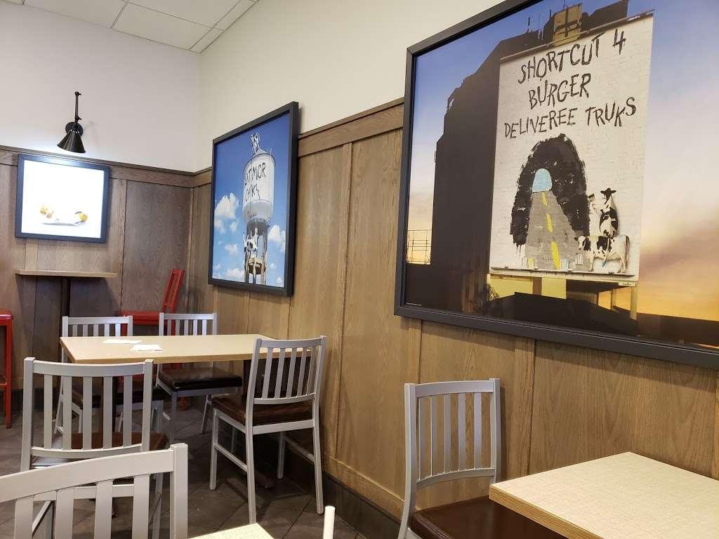 Chick-fil-A - restaurant  | Photo 3 of 4 | Address: Terminal E, Gate E5, International Pkwy, DFW Airport, TX 75261, USA | Phone: (469) 865-1300