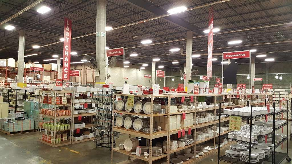 Lenox Outlet - store    Photo 4 of 10   Address: 51 Commerce Dr, Cranbury, NJ 08512, USA   Phone: (609) 395-8051