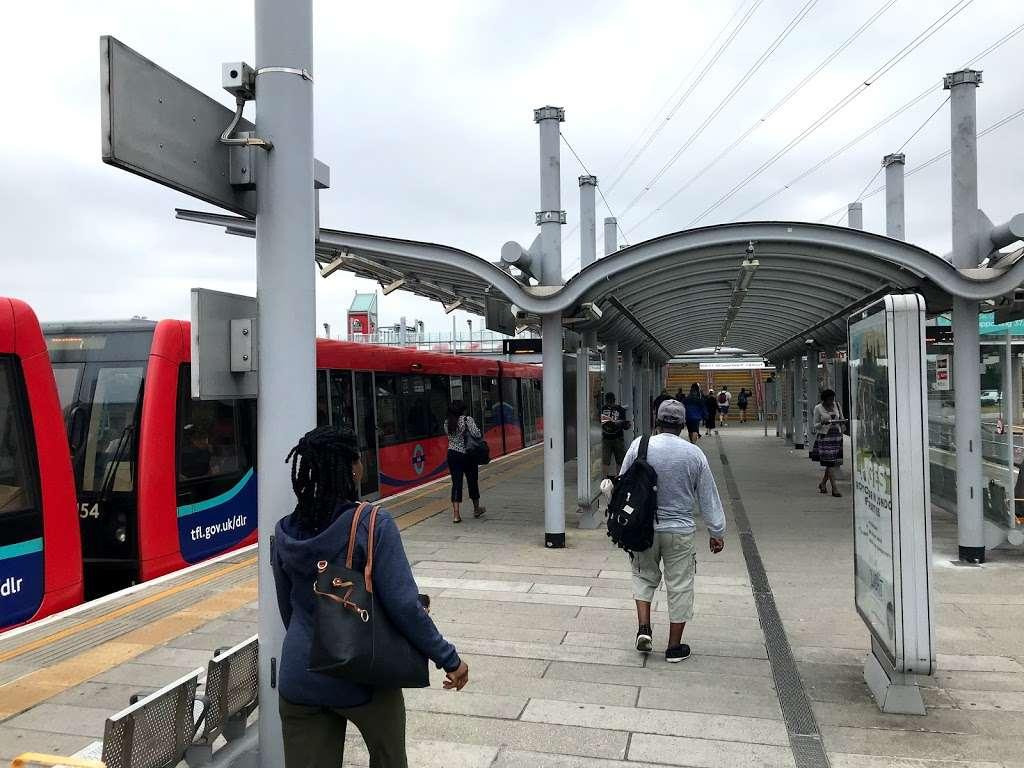 Prince Regent - train station    Photo 7 of 10   Address: Victoria Dock Rd, London E16 3DB, UK   Phone: 0343 222 1234