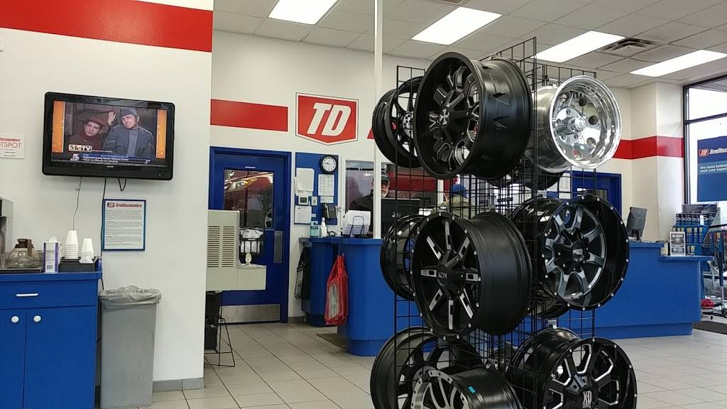 Tire Discounters - car repair  | Photo 5 of 10 | Address: 3475 Valley Plaza Pkwy, Fort Wright, KY 41017, USA | Phone: (859) 341-3920