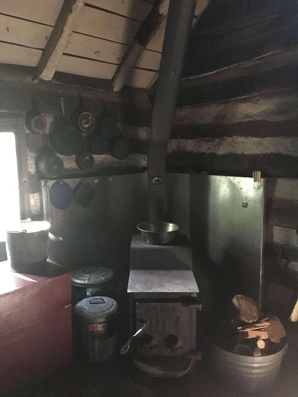 Bear Spring Cabin PATC - lodging  | Photo 9 of 10 | Address: 22, Burkittsville, MD 21769, USA | Phone: (703) 242-0315