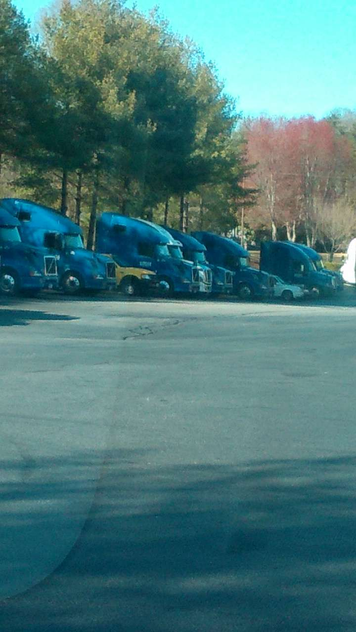 Penske Truck Rental - moving company  | Photo 8 of 10 | Address: 1215 4th St SW, Conover, NC 28613, USA | Phone: (828) 465-5499